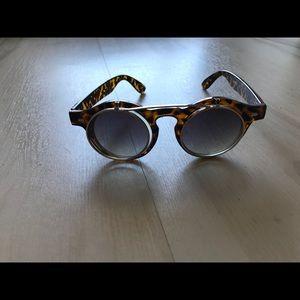 557cdc546037 Accessories - Vintage flip sunglasses